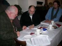 Herr Wittmann ( Bildmitte ) und Herr Braun (links) unterzeichnen die Vereinbarung Foto: SBV/K.K.