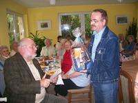 Bild: SBV/KK Der Vorsitzende dankt Herrn Boettcher für sein Engagement im Verein